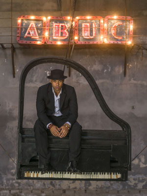 ABUC - Roberto Fonseca - photo by Arien Chang