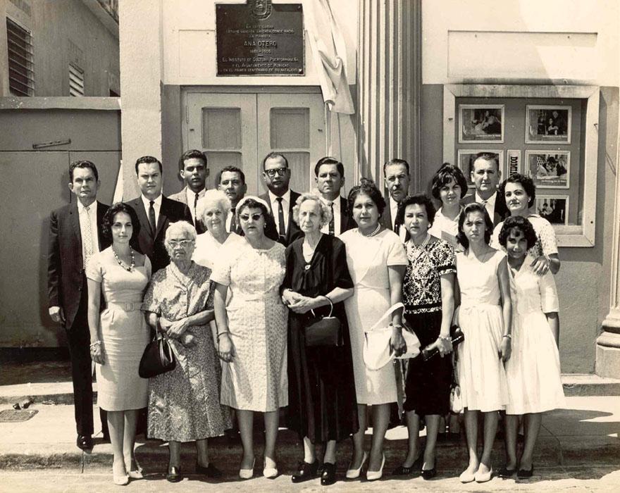 Celebración Centenario 1961 - Julia Otero al Centro